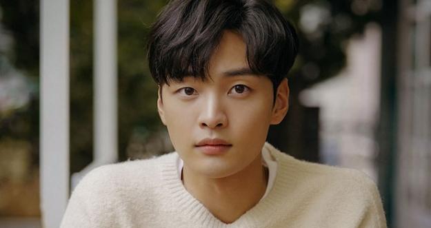 10 Aktor Korea Selatan Paling Tampan 2021