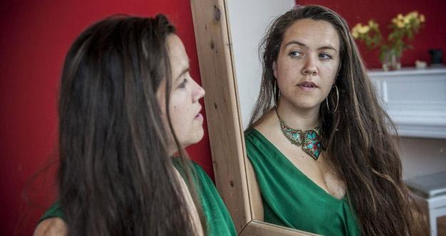 6 Tahun Jomblo, Wanita Ini Akhirnya Menikahi Diri Sendiri