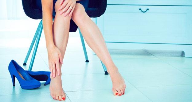 Efek Negatif Penggunaan Sepatu High Heels