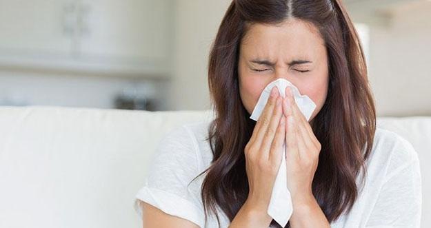 5 Masalah Kesehatan Yang Bisa Muncul Akibat Menahan Bersin