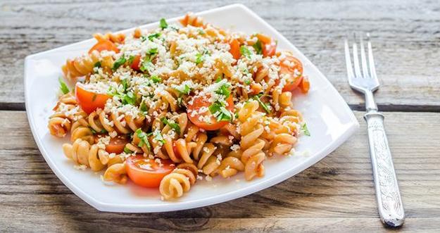 Resep Pasta Fusili Saus Tomat
