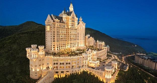 Hotel Mewah Layaknya Istana Telah Dibuka di Cina