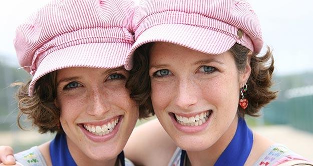 5 Masalah Yang Hanya Dialami Oleh Anak Kembar