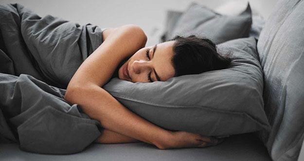 Hal Yang Tidak Seharusnya Dilakukan Sebelum Tidur