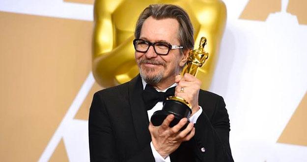 Akhirnya, Gary Oldman Menang Oscar 2018