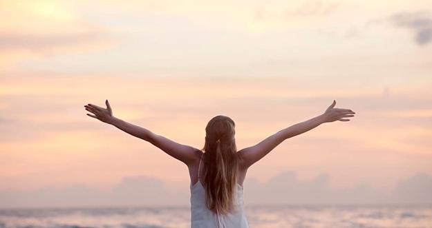4 Cara Membahagiakan Diri Sendiri