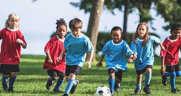 Cara Mudah Mendorong Anak Gemar Berolahraga