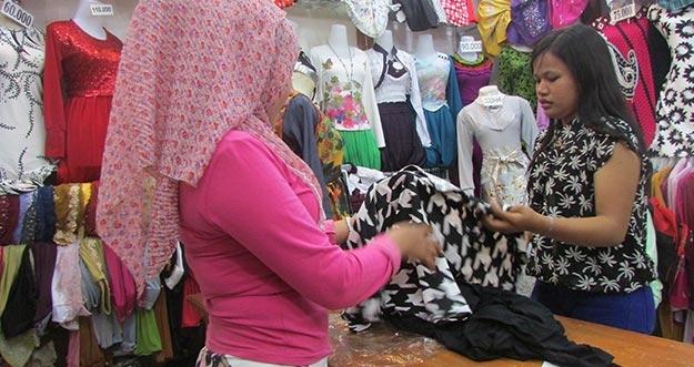 Kebiasaan Unik Orang Indonesia Ketika Berbelanja