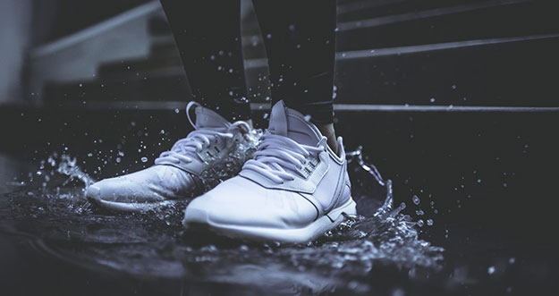 Tips Merawat Sepatu Saat Musim Hujan