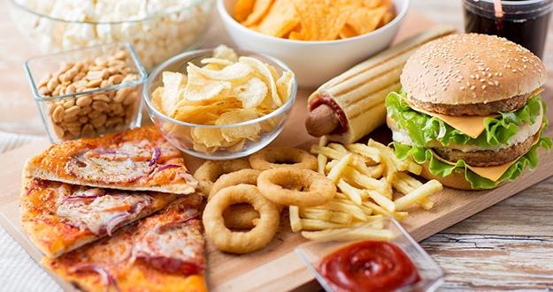 5 Makanan Yang Bisa Mempercepat Penuaan Dini Dan Merusak Kulit
