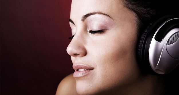 Ternyata Ada Berbagai Manfaat Kesehatan Dari Mendengarkan Musik
