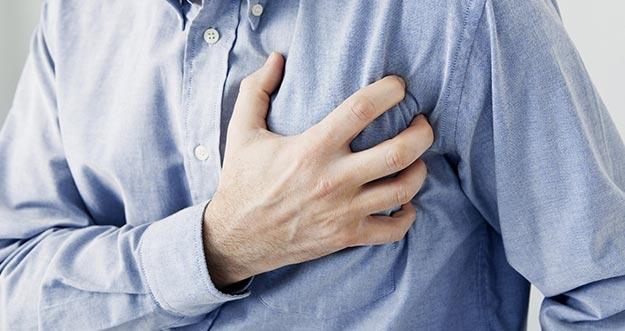 Pertolongan Pertama Yang Bisa Kamu Lakukan Bila Mengalami Serangan Jantung