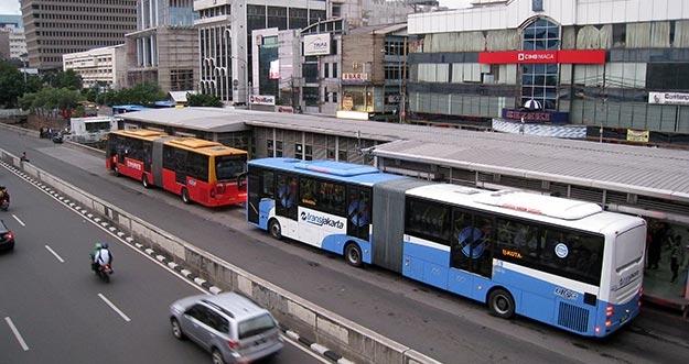 Masuk Jalur Busway Akan Dikenai Tilang Biru