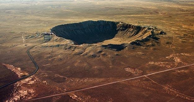 10 Kawah Indah Hasil Hantaman Meteor