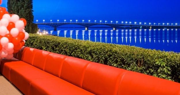 Sofa Sepanjang 1 KM Pecahkan Rekor Dunia