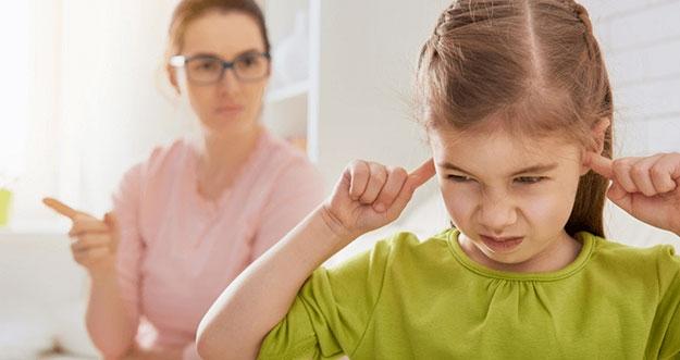 4 Pengaruh Terlalu Sering Memarahi dan Membentak Anak