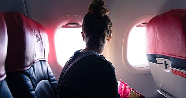 5 Masalah Kulit Yang Sering Terjadi Ketika Berada Di Pesawat