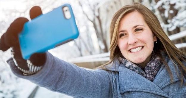 3 Kesalahan Paling Sering Dilakukan Saat Selfie