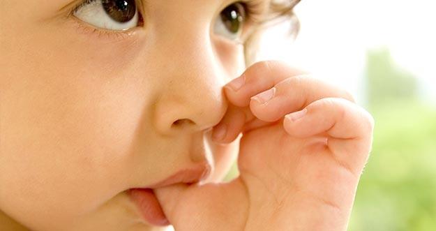 Bahaya Membiarkan Anak Terus Menghisap Jempol