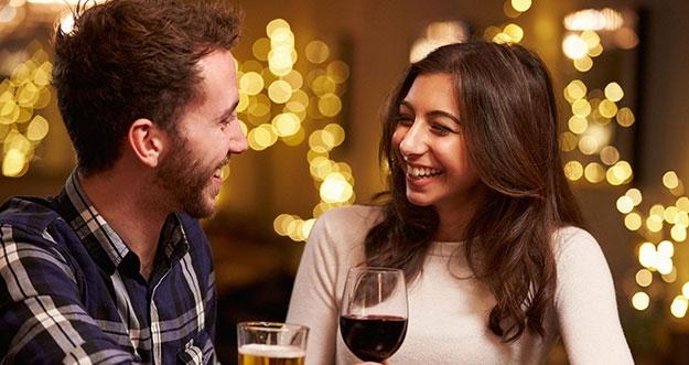 5 Pertanyaan Yang Sering Diajukan Saat Kencan Pertama