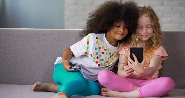 4 Hal Yang Perlu Diajarkan Pada Anak Saat Memanfaatkan Teknologi