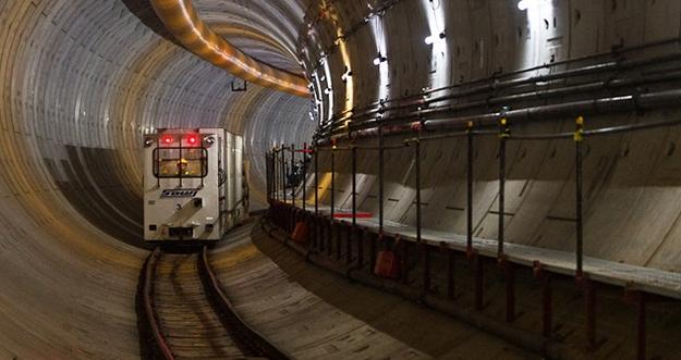 Perbedaan Antara MRT, KRL, Dan LRT