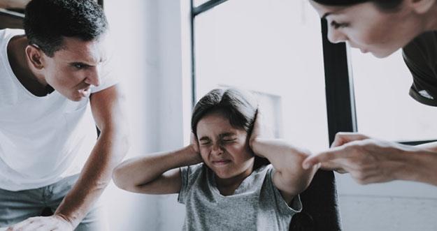 4 Alasan Buruk Membentak Anak