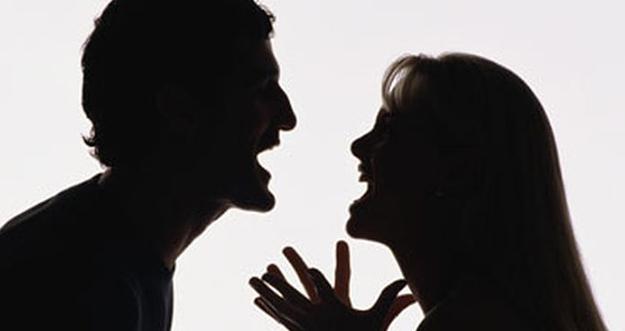 4 Tanda Terjebak Dalam Toxic Relationship