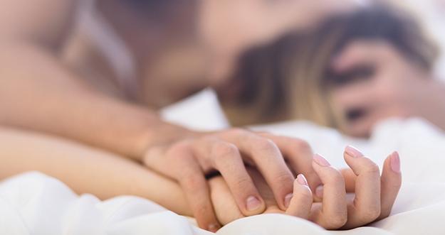 7 Faktor Penyebab Menangis saat Berhubungan Intim