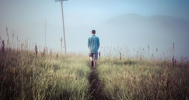 Beda Introvert dengan Antisosial