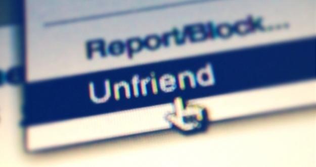 10 Tipe Teman Sosial Media Yang Menyebalkan
