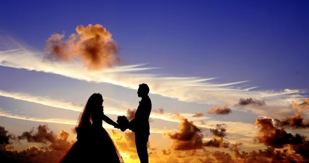 Inilah Alasan Mengapa Cinta Terlarang Terasa Lebih Kuat dan Nikmat