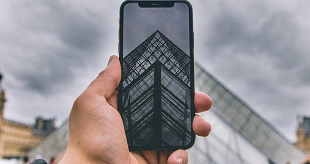 Tips Memotret di Suasana Gelap Pakai Smartphone