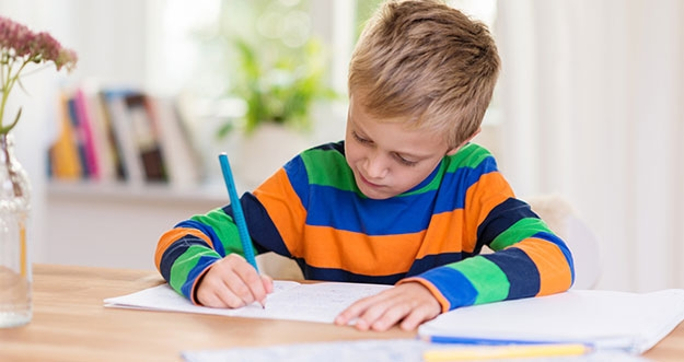 Tips Membuat Anak Fokus Belajar Jarak Jauh