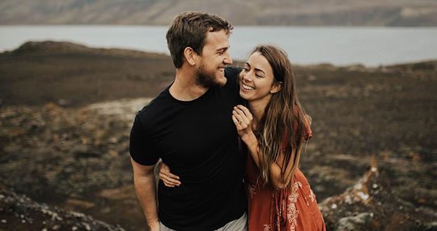 7 Hal Yang Sering Pria Sembunyikan Dari Pasangannya
