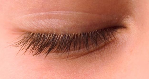 Berbagai Manfaat Berkedip Bagi Kesehatan Mata