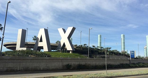 Bandara Ini Memperbolehkan Penumpang Membawa Ganja