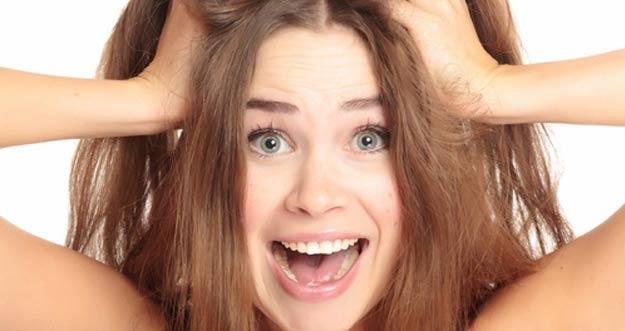 Tips Mengatasi Rambut Bau Tak Sedap