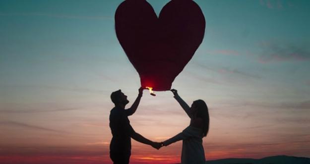 10 Tips Menjalani Hubungan LDR