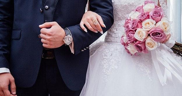5 Hal Yang Seharusnya Tak Menjadi Alasan Untuk Menikah