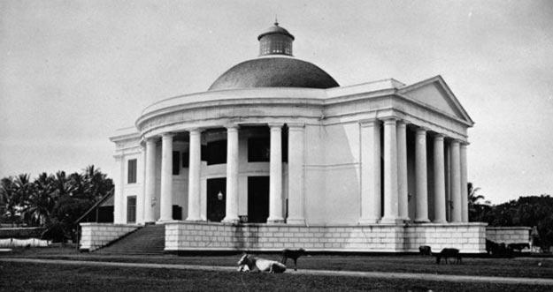 5 Bangunan Bersejarah Di Indonesia Yang Hanya Tinggal Nama