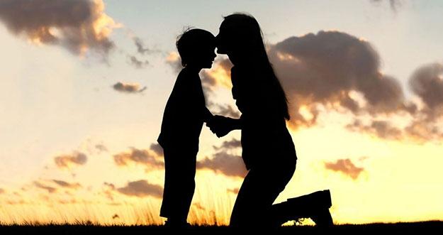 Alasan Seorang Ibu Lebih Dekat Dengan Anak Laki-Laki