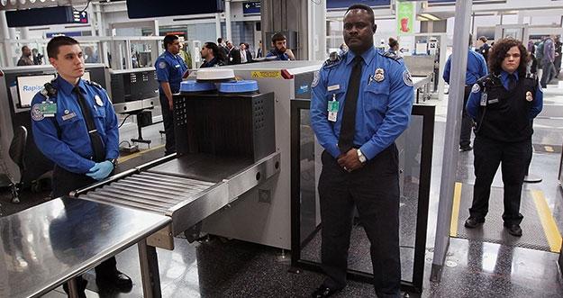 Barang-Barang Yang Harus Dilepas Selama Pemeriksaan Di Bandara