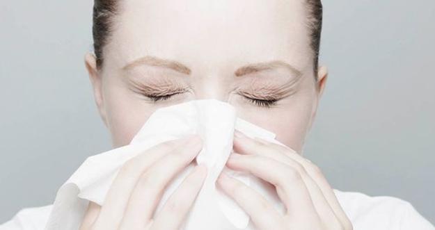 Kebiasaan Buang Ingus dengan Keras Bisa Berbahaya buat Hidung