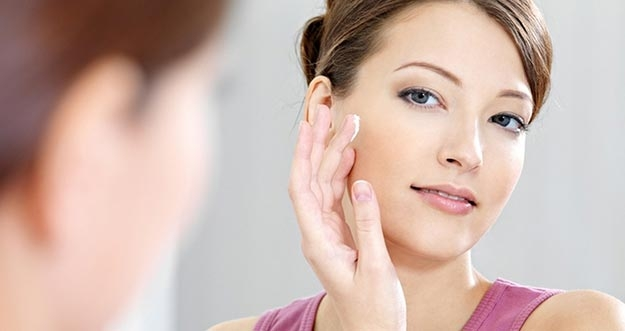 4 Cara Melembutkan Kulit Wajah