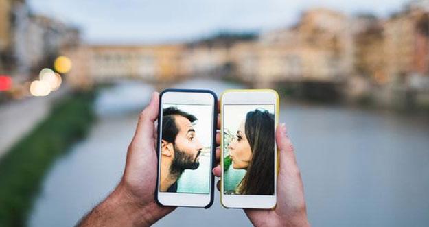 8 Alasan LDR Bisa Membuat Hubungan Semakin Kuat