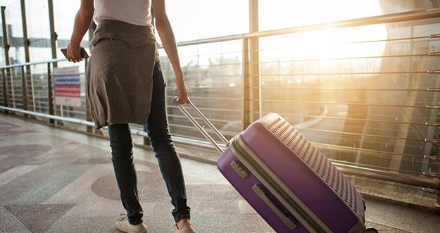 5 Tips Menjaga Kesehatan Kulit Saat Traveling