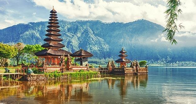 10 Pulau Indonesia Terfavorit Pilihan Turis