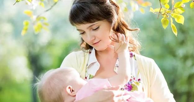 6 Nutrisi Penting Untuk Ibu Menyusui