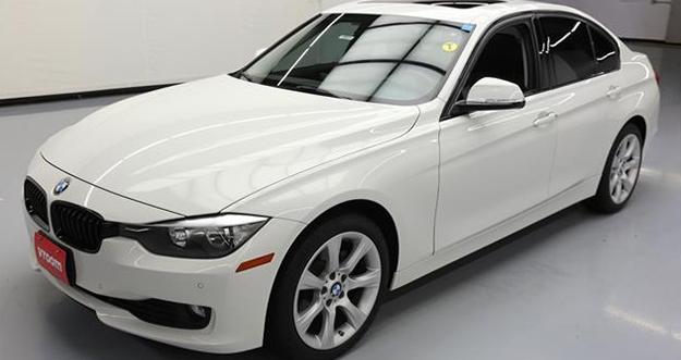 Harga dan Keunggulan BMW 320i Sport